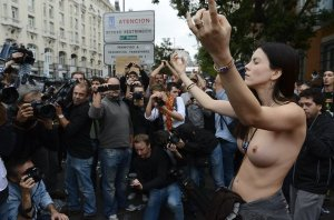 Una-manifestante-DESTETADA